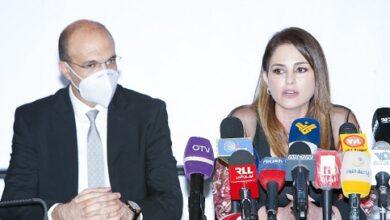 صورة وزيرا الصحة والاعلام: وعي المجتمع صمام الامان وناقل الخبر الكاذب مجرم