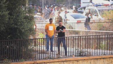 صورة بالصور – مسلحون يطلقون النار بإتجاه المتظاهرين