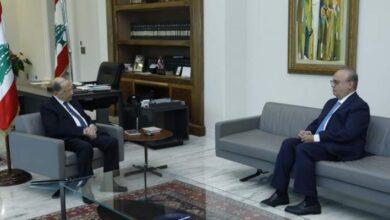 صورة وهاب بعد لقائه عون: الأجواء إيجابية وطالبنا برفع العدد إلى 20 وزيراً