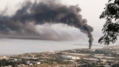صورة ظاهرة حرق الإطارات تتكرّر وسحابة سوداء فوق طرابلس