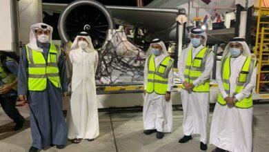 """صورة وصول الشحنة الأولى من لقاح """"فايزر – بايونتيك"""" إلى قطر"""