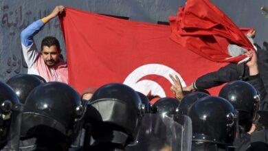 صورة على وقع الإحتجاجات.. برلمان تونس يقرّ تعديلات المشيشي الوزراية