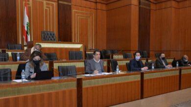 صورة لجنة الإعلام بين المساءلة والمسؤولية