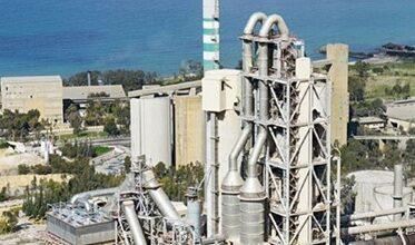 صورة هل تكسر «الصناعة» احتكار الاسمنت؟