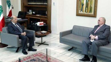 صورة الرئيس عون عرض مع النائب فريد البستاني التطورات السياسية والمستجدات