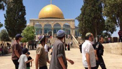 صورة لليوم الثالث.. قوات الاحتلال تخرج المصلين من الأقصى