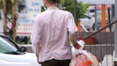 صورة موزّعو الخبز «فرق عملة» بين «الاقتصاد» وأصحاب الأفران