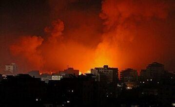 صورة الاحتلال يكثف من غاراته على قطاع غزة.. والمقاومة ترد باستهداف بئر السبع