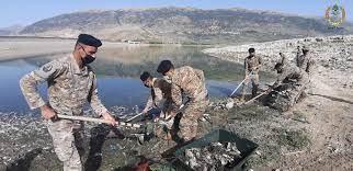 صورة وحدات الجيش تواصل العمل على تنظيف ضفة القرعون