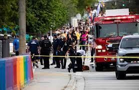 صورة مقتل شخص بعد دهسه خلال مسيرة للمثليين في فلوريدا