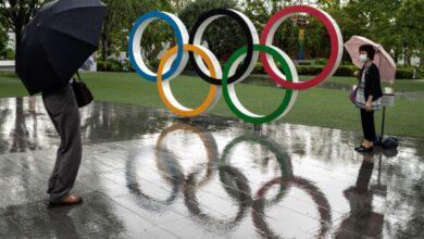 صورة الألعاب الأولمبية من دون كحول وعناق