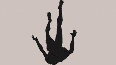 صورة قتيل في الضنية بعدما سقط عن سطح منزل ذويه