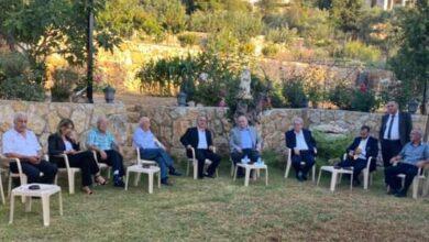 صورة البستاني التقى ماكينته الانتخابية ووفودا من الشوف وفعاليات من دير القمر