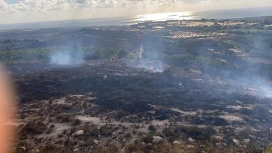صورة حريق كبير في أرزي الزهراني والنيران امتدت  على مساحات واسعة