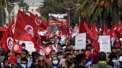 صورة تونس تترقب خارطة طريق قد تفضي لانتخابات مبكرة بقانون جديد