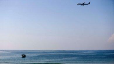 صورة العثور على الطائرة المدنية والعمل جار لانتشال الجثتين